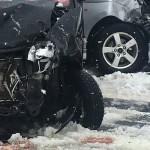 雪道の悪路にご注意ください。